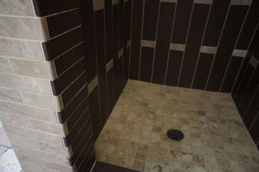 Custom Tile Shower Rhone Design